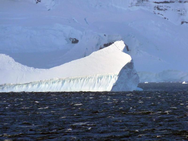 1508 - Gerlache Strait - 2011-02-22 - P1010858