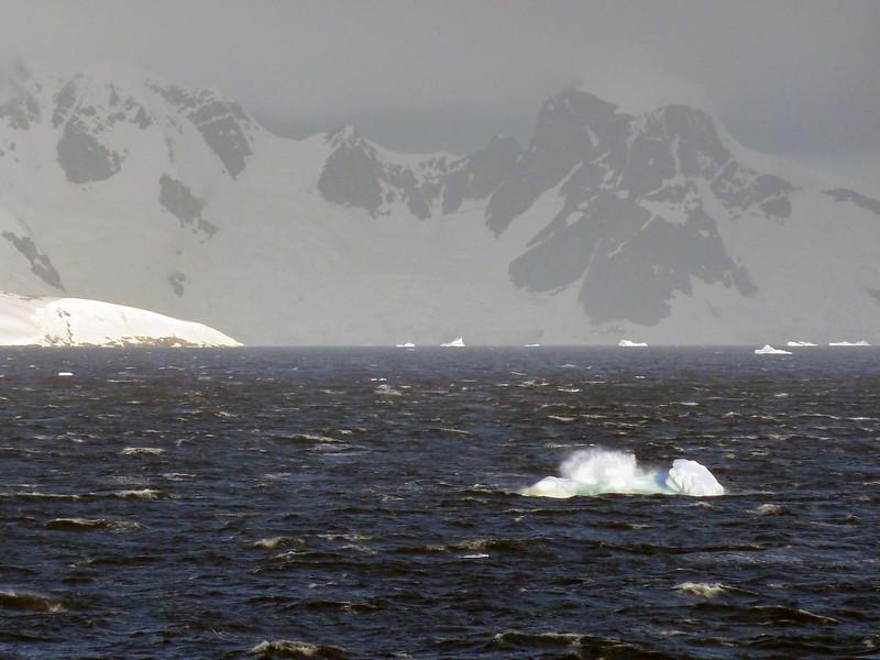 1507 - Gerlache Strait - 2011-02-22 - P1010865