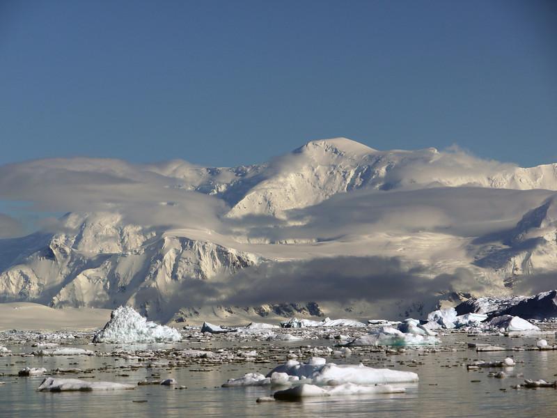 0422 - Neko Harbour - 2011-02-20 - P1050942