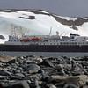 0289 - Half Moon Island - 2011-02-19 - P1010598