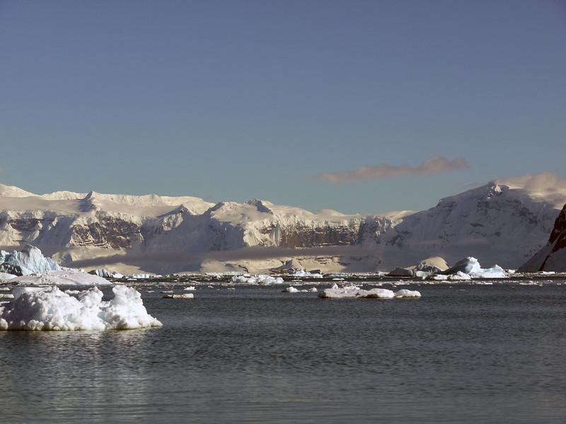 0418 - Neko Harbour - 2011-02-20 - P1050935