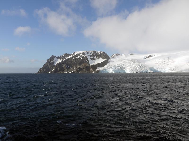 0299 - Half Moon Island - 2011-02-19 - P1050612
