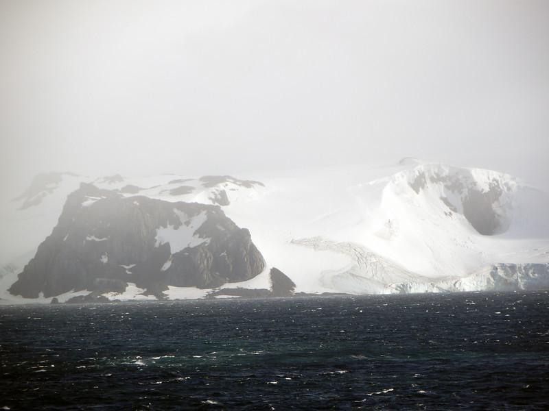 0210 - Half Moon Island - 2011-02-19 - P1050638