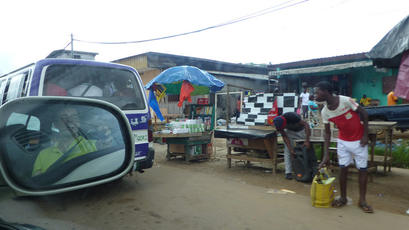 Looking for that perfect bargain in the Marche du Bananes in Libreville.