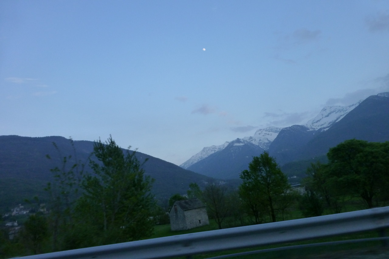 Into the mountains, only 90 mins outside the traffic of Milan!