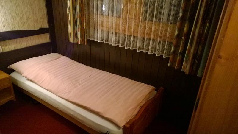 das Einy-Zimmer  -  :(