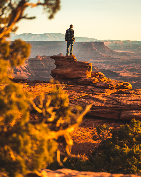 Frankieboy Photography |  Man Overlooking Canyon | Travel Photography Exploring Utah