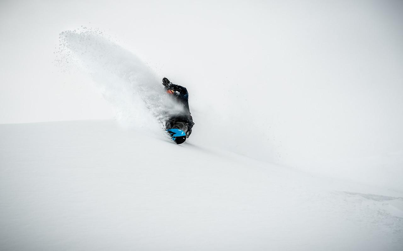 Backcountry powder spray, Austria 2017, Daniel Vonach, Jones Snowboards