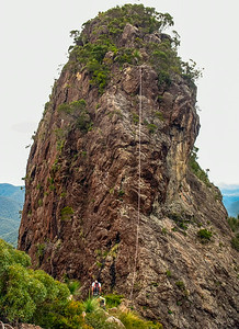 The 25m abseil off Leaning Peak is just spectacular.  It is an amazing piece of rock.  Shear cliffs drop from all sides except the steep ridge we ascended.  It is amazing that there is a route up there at all.