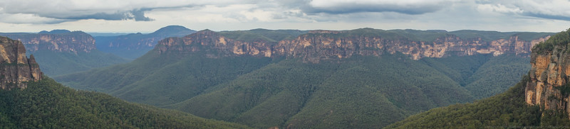 The Grose Valley from Govetts Leap.