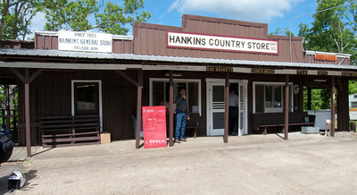 Hankins Country Store at Sand Gap (intersection of 123 and 7).  Food and drinks, but no gas.