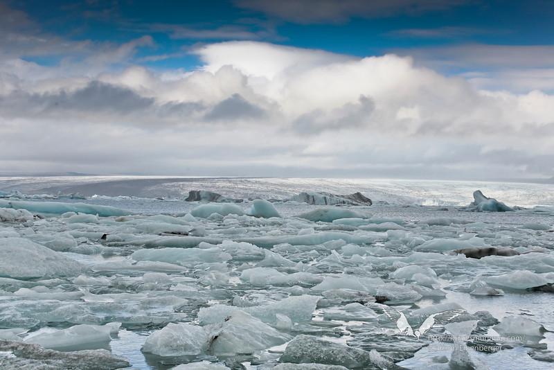 Jökulsárlón glacial lagoon.