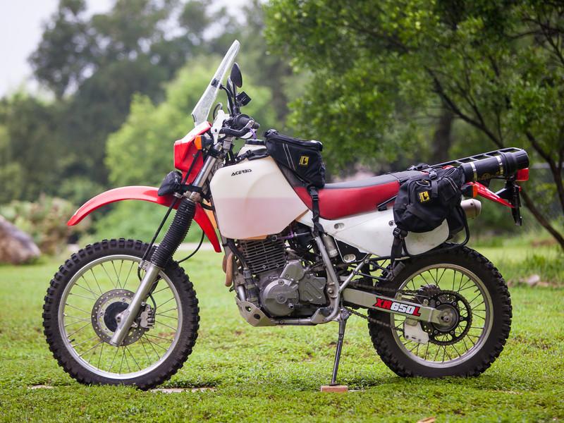 Battle Of The Bikes Husqvarna Te610 Versus Honda Xr650l Texas