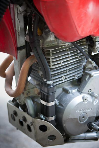 Husqvarna TE610 versus Honda XR650L – Texas Adventure