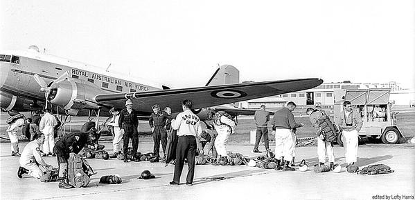 Pour first RAAF jump flight