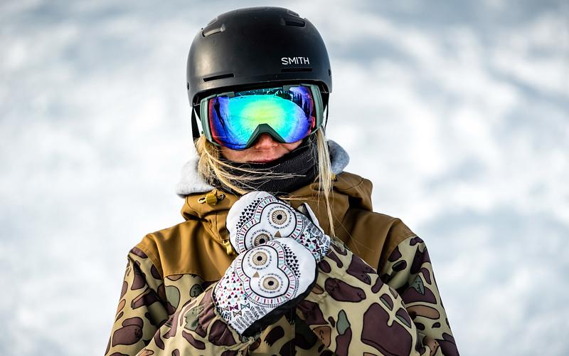 Hypnotic Gloves, Portrait Snowboarding Kitzbühel, Austria 2017, Lea Baumschlager