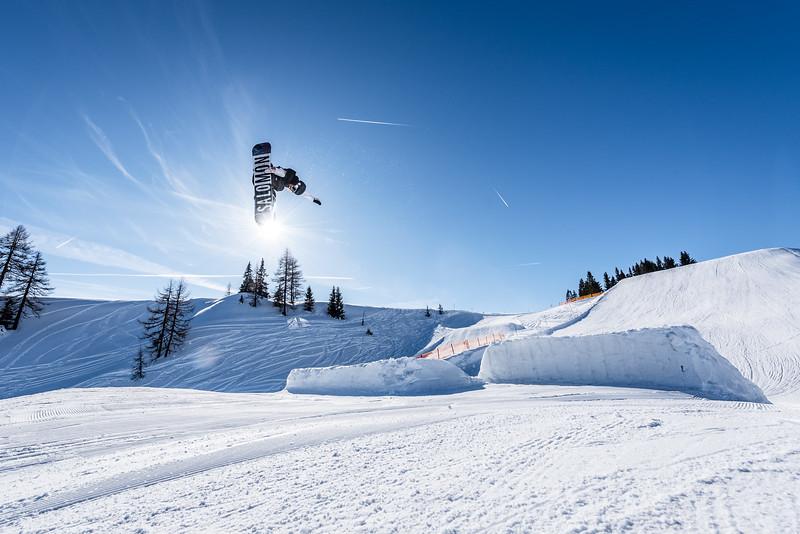 Flying into the Sun, Snowpark Sessions Alpendorf, Austria 2018, Leon Guetala
