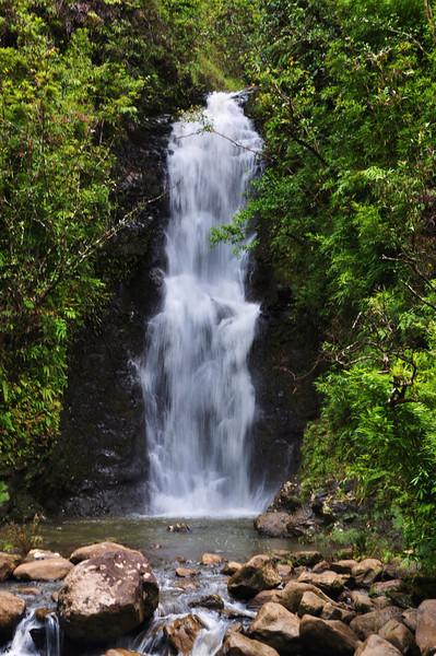 The first waterfall of Na'ili'ili-haele Falls.