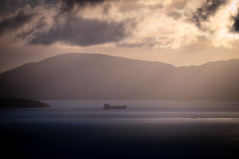bellingham-bay-ship-sunset