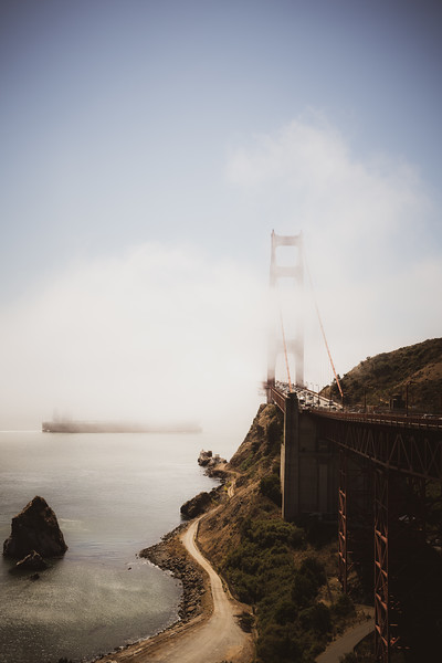 golden-gate-bridge-ship