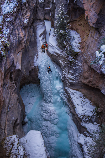 Maligne Canyon Ice Climbing