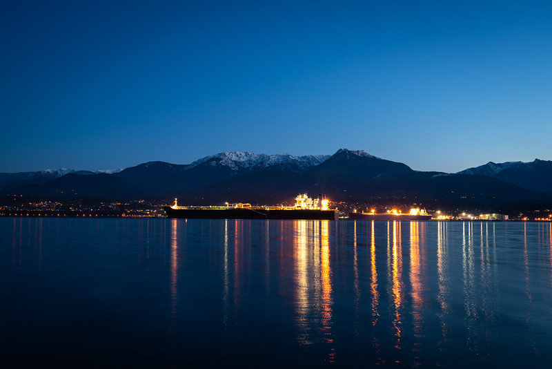 port-angeles-and-olympics-at-night