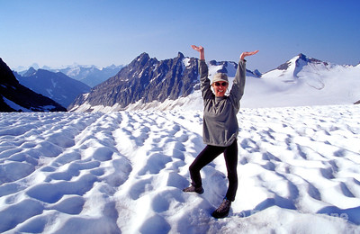 CMH hiker Tania Philips, Canadian Mountain Holidays, Helihiking, Bobbie Burns Lodge, Purcell Mountains, British Columbia, Canada