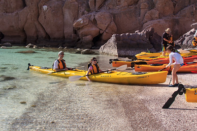 Kayaking, Safari Endeavour, Sea of Cortés, Baja California Sur, Mexico.