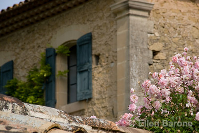 Provençal farmhouse near Lourmarin, Provence, France, Europe