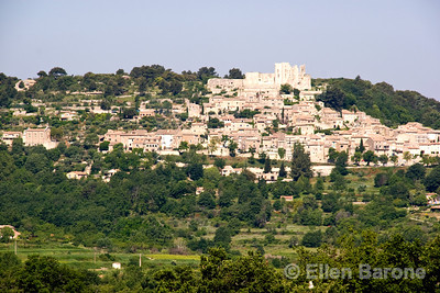 The lovely hilltop village of Lacoste, the Luberon, Provence, France, Europe