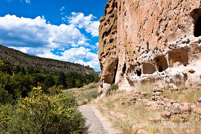 Cavates, Cliff scenic, Bandelier National Monument, Jemez Mountains, New Mexico.