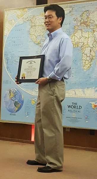 """Kevin Lee presentation, """"Diving the Seven Continents""""<br /> February 11, 2016<br /> Photo by Carey Brenner"""