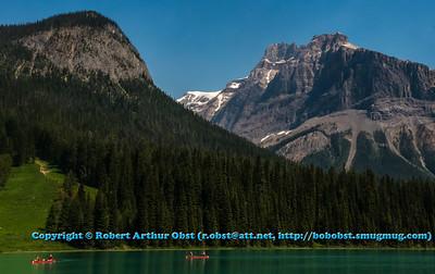 AP-QWMW_8382_ATO.WestUSACanada2014-CAN.BC.Field.YohoNationalPark.CanadianRockies.EmeraldLake.Canoes-B (DSC_8382.NEF)