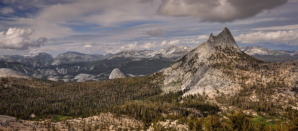 Yosemite National Park, California. Copyright © 2011 All rights reserved.