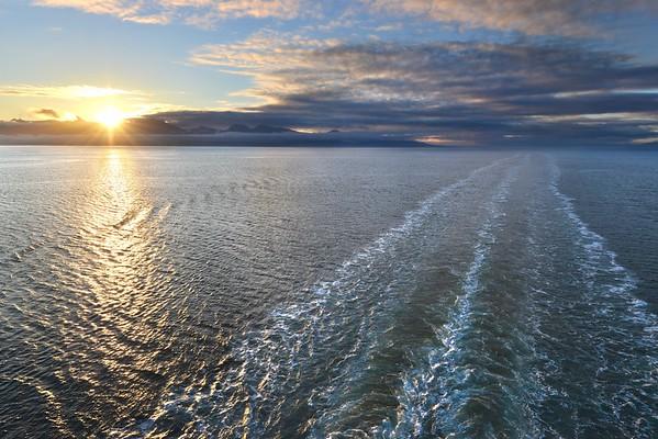 Glacier Bay National Park, Alaska Copyright © 2013 All rights reserved.