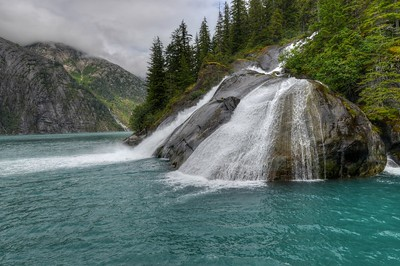 Ice Falls in Tracy Arm