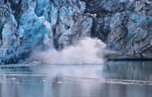 Calving From the Lamplugh Glacier