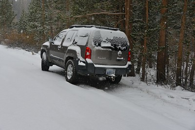 Snow Fall at the Hilton Lakes Trailhead