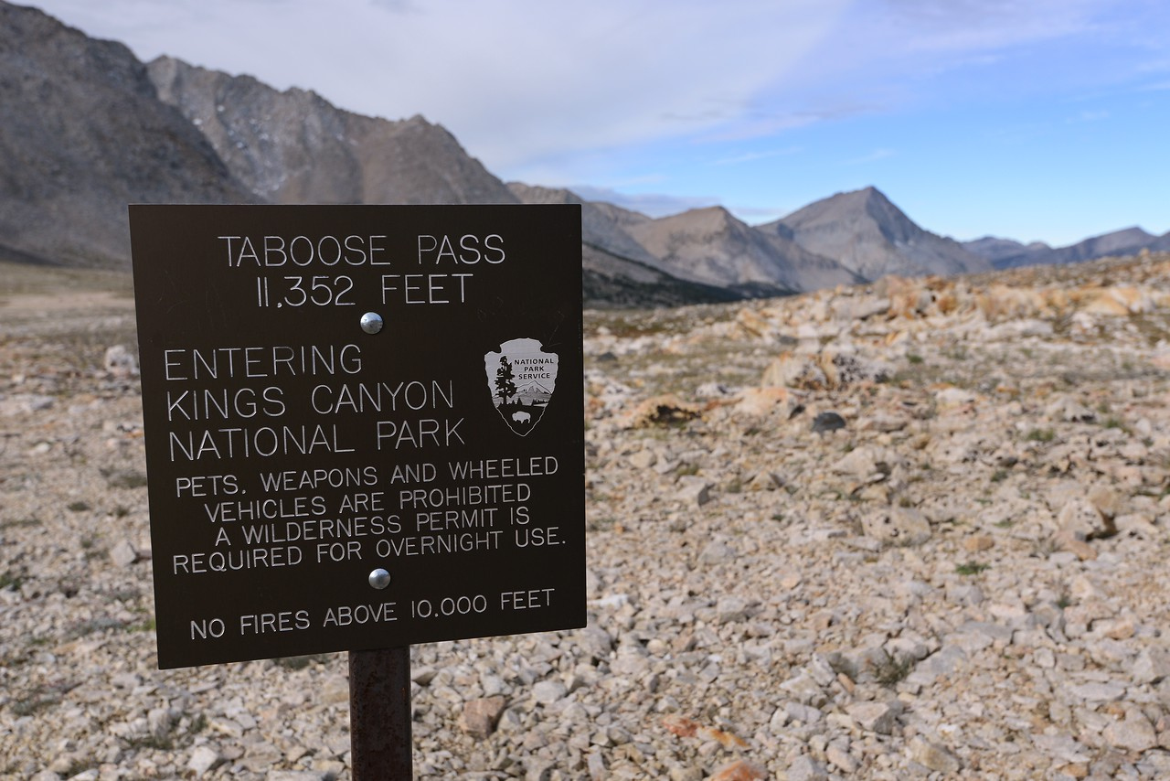 Taboose Pass (looking west)