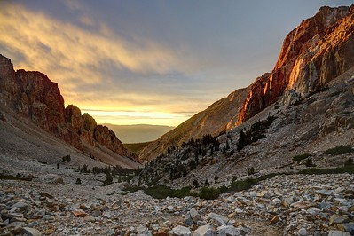Sunrise in Taboose Canyon
