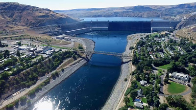 5-Midday flight above the Grand Coulee Dam