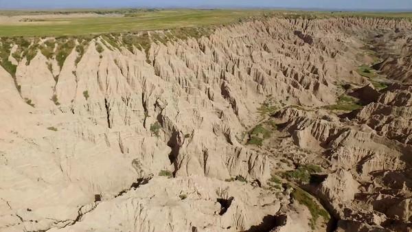 7-Incredible texture of walls in Badlands