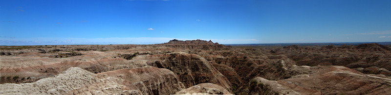 Looking out over Badlands formations-_Panorama1