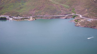 10-Jet skiers add action to Lucky Peak Lake