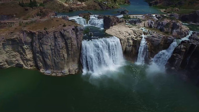 3-Shoshone Falls and power plant-closer