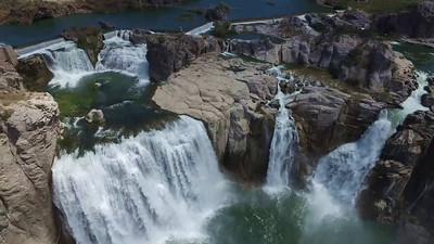 2-Shoshone Falls from closer