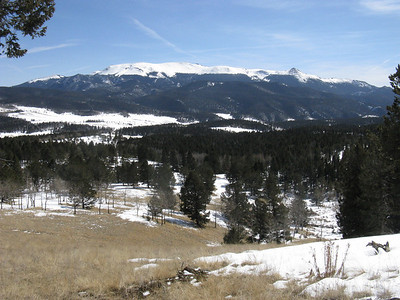 Pikes Peak massif to the SE. Hard to imagine a more perfect weather day.