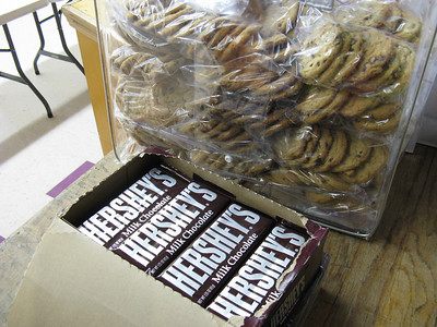 Plus baggies of a half-dozen homebaked chocolate chips cookies - all carefully crafted by Carolyn Sundahl.