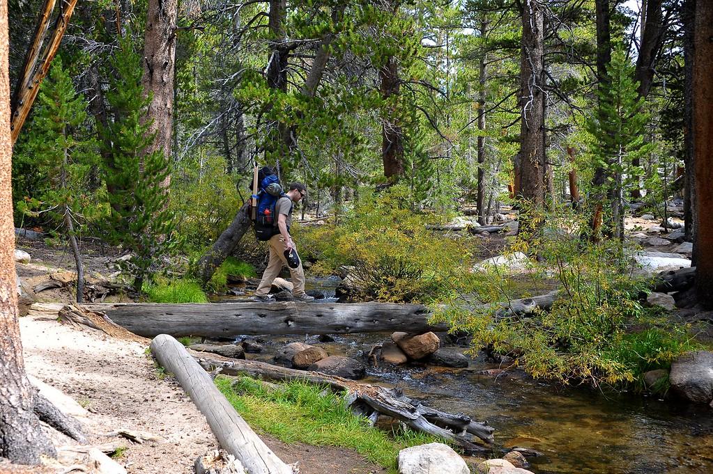 Hiking Cottonwood Lakes 009