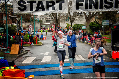 Heike and Bart finishing the 12K